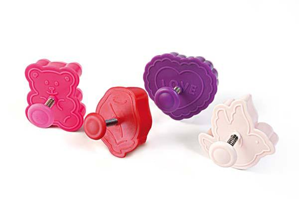 Acc089 Mini Cookie Cutter Love